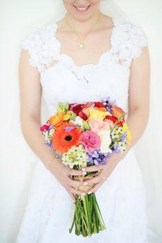 A noiva Priscila foi linda, delicada e super romântica. --- Priscila was a beautiful, delicate and super romantic bride.