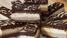 Lahodný vanilkový zákusok so smotanou a fantastickou chuťou - hotový za 30 minút - Recepty od babky Tiramisu, Ale, Ethnic Recipes, Food, Desserts, Sheet Cakes, Backen, Meal, Ale Beer