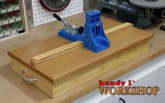 Welcome to the website of Ana White, your source for great DIY furniture and woodworking projects. Choose from a variety of great free woodworking plans! Kreg Jig Projects, Beginner Woodworking Projects, Woodworking Ideas, Wood Projects, Kreg Pocket Hole Jig, Wood Joints, Woodworking Garage, Shops, Diy Furniture Plans