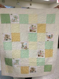 Peter Rabbit Quilt (front). Sparrow Top Quilts