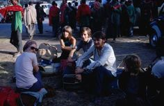 A group of foreigners (British, French and American) wait for a bus in Lahore (1972). Pakistan was an important destination on what was called the 'Hippie Trail.'