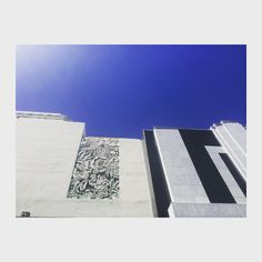 Re-do ... Walking down #Wilshire ... #sunshine in LA  #Architecture #ArtDeco #BlackMirror