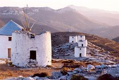 Amorgos windmills by Iordanis Keramidas Santorini Villas, Myconos, Corfu, Windmills, Greece Travel, Luxury Villa, Greek Islands, Beautiful Places, In This Moment