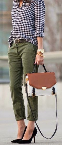 Would love to try some skinnies in other colors than black! Really love this combo and the bag :)