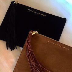 HECHO A MANO. HECHO EN COLOMBIA 'Un artesano colombiano hizo esto para mi' NORA LOZZA statement clucth. A limited edition! Walking Closet, Bags, Artisan, Colombia, Hand Made, Accessories, Handbags, Walk In Wardrobe Design, Bag