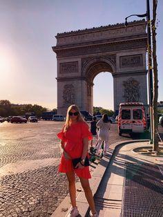 #paris #reddress #dress #france Paris Map, Paris City, New Paris, Paris Travel Guide, New Travel, Travel And Leisure, France Map, France Travel, Tourist Office
