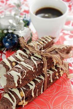 Minunati alaturi de o ceasca … Biscotti, Spiced Coffee, Tiramisu, Spices, Cookies, Vegetables, Fruit, Cake, Ethnic Recipes
