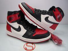 d7607ce32bd5 Details about Nike Air Jordan 1 Retro Court Purple High OG I White Banned  Toe Black Bred Gold