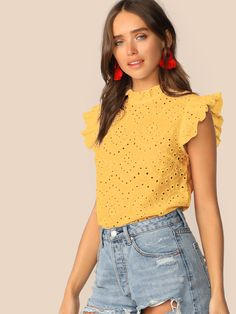 Top avec broderie anglaise et plis Lace Top Dress, Preppy Style, Pulls, Sleeveless Blouse, Blouse Designs, Dress To Impress, Blouses For Women, Casual Outfits, Fashion Dresses