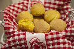 panini con curcuma e semi di papavero