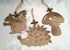 Holz,Holzhänger, Dekofiguren, Eichhörnchen, Pilz, Igel, 3 Stück