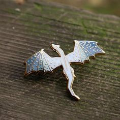 Harry Potter, Ice Dragon, Blue Wings, Cool Pins, Pin And Patches, Cute Jewelry, Jewlery, Metal Pins, Pin Badges
