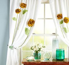 DIY Curtains Projects for Your Home Decoration - Curtains with flowers