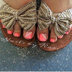 Cute without the sandals....