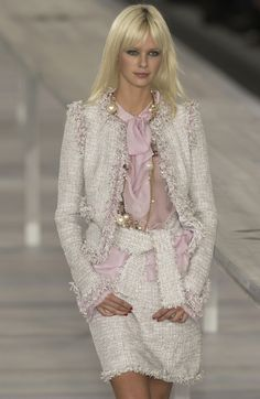 Chanel Spring/Summer 2004 Ready-To-Wear