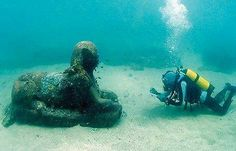 Sunken Sphinx Found In Bahamas, Underwater For 2500 Years Say Archaeologists  A team of underwater archaeologists studying an ancient shipwreck of unknown origin near the eastern coast of the Bahamas, have made an astonishing discovery reports ADG UK.  Divers have found a large stone statue resembling in shape and design, of the Egyptian Great Sphinx