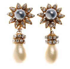 Beautiful CHANEL Drop Earrings 1960s-1970s
