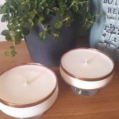 Voilà les premières bougies que j'ai envie de vous présenter avec deux parfums disponibles: mûre/myrtille et figue ! Ainsi, Tea Lights, Creations, Candles, Scented Candles, Blueberries, Figs, Envy, Tea Light Candles