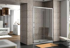 mampara mod Clear, vidrio templado 6mm transparente y perfilería plata brillo. Un fijo + puerta corredera