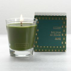 What: A glass candle filled with the aromas of balsam, oak moss, cedarwood, cinnamon and eucalyptus.