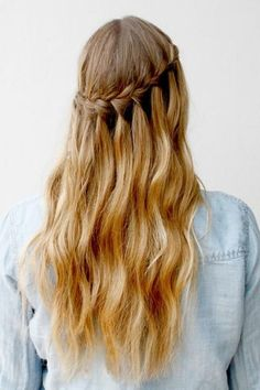 waterfall braid -- wonder if the braid would get damaged when pulling out the veil comb...: