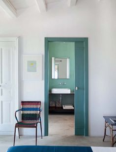 "Get Creative With Your Next Paint Job: 10 Ideas for Painting ""Outside the Lines"" Add extra impact by paitning both a door and the door frame, as seen onFrench by Design. The Line Apartment, Interior And Exterior, Interior Design, Interior Doors, Door Casing, Painted Doors, Minimalist Design, Decoration, Interior Inspiration"