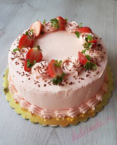 Cake Designs, Panna Cotta, Caramel, Bacon, Strawberry, Food And Drink, Birthday Cake, Cooking Recipes, Ethnic Recipes