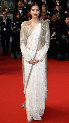 Sonam Kapoor wore a white lace sari with an embroidered jacket by Anamika Khanna at Cannes Film Festival Sonam Kapoor, Indian Dresses, Indian Outfits, Ethnic Outfits, Pakistani Dresses, Cannes, Indian Star, Indian Ethnic, Desi Wear