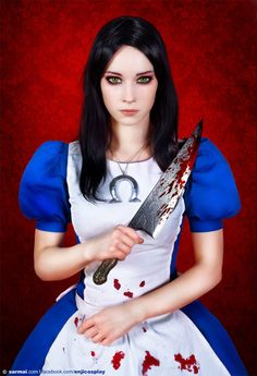 Beautiful cosplay of Alice, by Enji Night, from American McGee's Alice: Madness Returns.