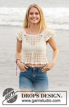 California Dream - Crocheted top with lace pattern and flounce. Size: S - XXXL Piece is crocheted in DROPS Cotton Merino. - Free pattern by DROPS Design Here you'll find more than free knitting patterns and crochet patterns with tutorial videos, as well a Débardeurs Au Crochet, Crochet Shirt, Crochet Crop Top, Crochet Woman, Crochet Stitches, Crochet Baby, Crochet Tops, Irish Crochet, Crochet Bodycon Dresses