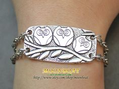 Antique Silvery Retro Style Three Owls Cuff Bracelet.