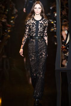 Elie Saab Fall 2015 RTW Collection - Style.com. Long live fashion: LÜR Nail presents the best designer runway looks of the Paris Autumn/Winter 2015 Collections.
