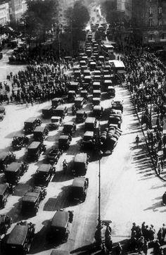 Berlin   Vor 1933. Unter den Linden, 1920er Jahren