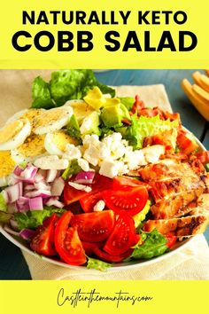 Easy Low Carb Cobb Salad - The Perfect Low Carb Family Meal! This hearty salad is a classic recipe that just happens to be low carb. The whole family will love it and it's picky teen approved. Meal prep friendly Low Carb Dressing, Leftover Rotisserie Chicken, Ranch Recipe, Low Calorie Snacks, Classic Recipe, Gordon Ramsay, Jamie Oliver, Diet And Nutrition, Food Hacks