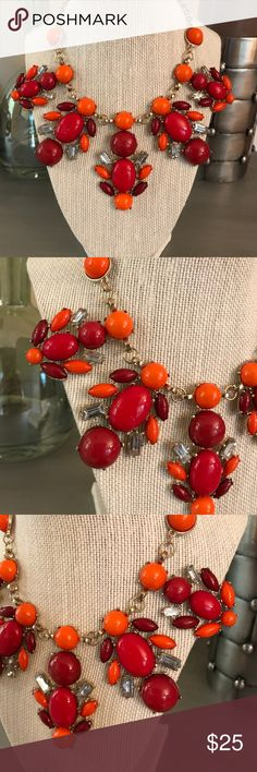 🛍 Red Orange Jeweled Beaded Statement Necklace Gold tone Boutique Jewelry Necklaces