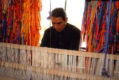 Maximo Laura on the loom