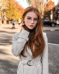 Image may contain: 1 person, outdoor Mulberry Hair Color, Light Auburn Hair, Natural Red Hair, Red Hair Woman, Front Hair Styles, Hair Front, Red Wigs, Gorgeous Redhead, Redhead Girl