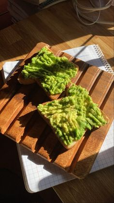 #aesthetic #green #avocado Aesthetic Green, Avocado Toast, Guacamole, Mexican, Cooking, Healthy, Breakfast, Ethnic Recipes, Photos
