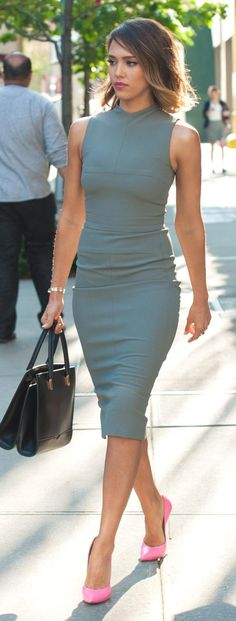 Street style, Flattering blue grey dress and pink pumps