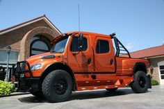 2010 SportChassis P2XL - Freightliner Pickup