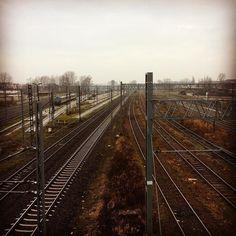 Lubię pociągi i torowiska. Kojarzą mi się z Japonią :3 #train #trainstation #silesia #likeajapan #biginjapan #guanoapes #alphaville