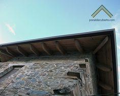 Foto de aleros de panel de madera con núcleo aislante para cubiertas. #paneldemadera #panelesdemadera #cubiertas #tejados #madera