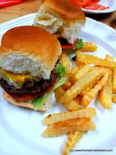 Kings Hawaiian Slider Burgers  #KHTogether