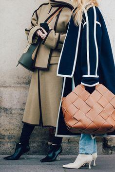 Street style : nos looks préférés de la Fashion Week de Paris automne-hiver - Page 3 Fashion Week Paris, Women's Summer Fashion, Fashion 2020, Autumn Winter Fashion, Fall Fashion, Fall Winter, Vogue Paris, Look Street Style, Street Style Women