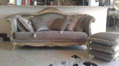 Miami: Sofa and ottoman $500 - http://furnishlyst.com/listings/327845