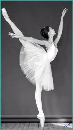 dibujo bailarina ballet * dibujo bailarina - dibujo bailarina ballet - dibujo bailarina lapiz - dibujo bailarina infantil - dibujo bailarina de ballet - dibujo bailarina ballet a lapiz - dibujo bailarina faciles - dibujo bailarina ballet infantil Good Vibes Music, Good Music, Music Music, Ballet Pictures, Dance Pictures, Ballet Art, Ballet Dancers, Bolshoi Ballet, Ballerina Kunst