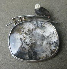 Brooch by Carolyn Morris Bach Contemporary Jewellery, Modern Jewelry, Metal Jewelry, Pendant Jewelry, Jewelry Art, Silver Jewelry, Jewelry Design, Unique Jewelry, Artisan Jewelry