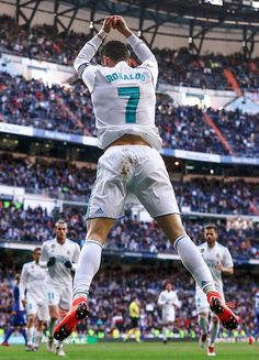 do you miss this celebration madrid fans? Cristiano Ronaldo Celebration, Cristiano Ronaldo Real Madrid, Messi Vs Ronaldo, Cristiano Ronaldo Juventus, Cr7 Wallpapers, Ronaldo Wallpapers, Portugal National Football Team, Ronaldo Football, World Cup