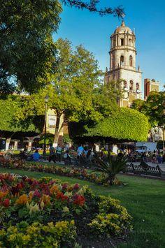 Templo de San Francisco en Querétaro, no es la catedral.