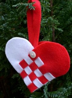 Scandinavian Christmas Heart Baskets, these were always filled with candy!